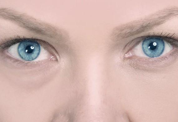 Cuidado del contorno de ojos